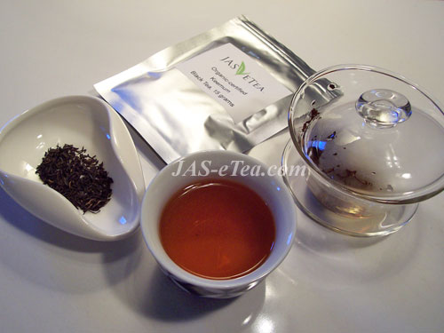 Whether you steep in a gaiwan or a teapot, many say you can stay healthier with black teas.