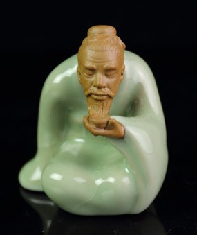 "Statue for Gongfu Tea Time - Saint ""Luyu"" - Ge Kiln Crackleware"